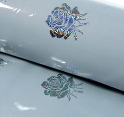 Бумага голография Букеты на белом 70 х 100 см