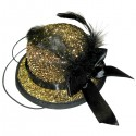 Шляпка золотая с пером