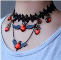Прикол ожерелье Летучая мышь с красными камнями