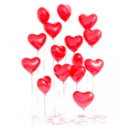 Фотозона из 15 сердец