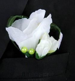Бутоньерка but-60 белый цветок с бутонами