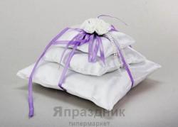 Подушка для колец тройная белая с сиреневой лентой