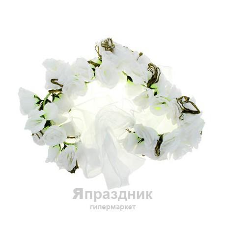 Цветочная арка из роз белая