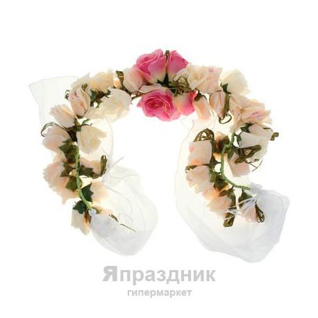 Цветочная арка из роз розовая