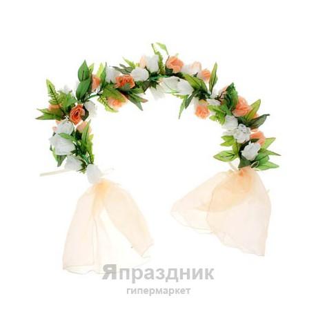 Цветочная арка из роз персиковая
